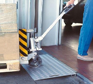 Plaque de franchissement aluminium passage de seuil - www.fimpro.fr