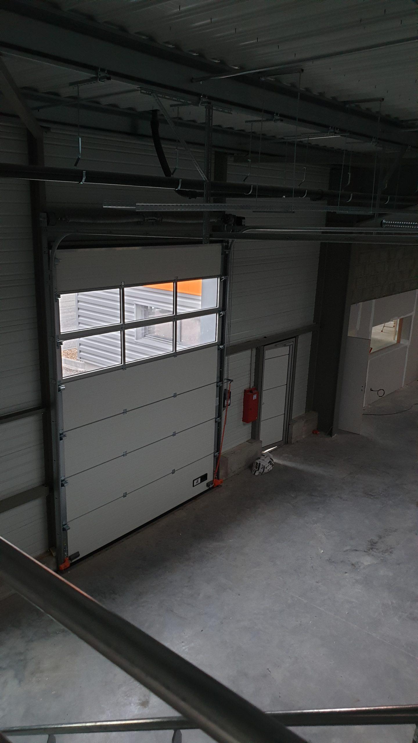 Sections vitrées de porte sectionnelle