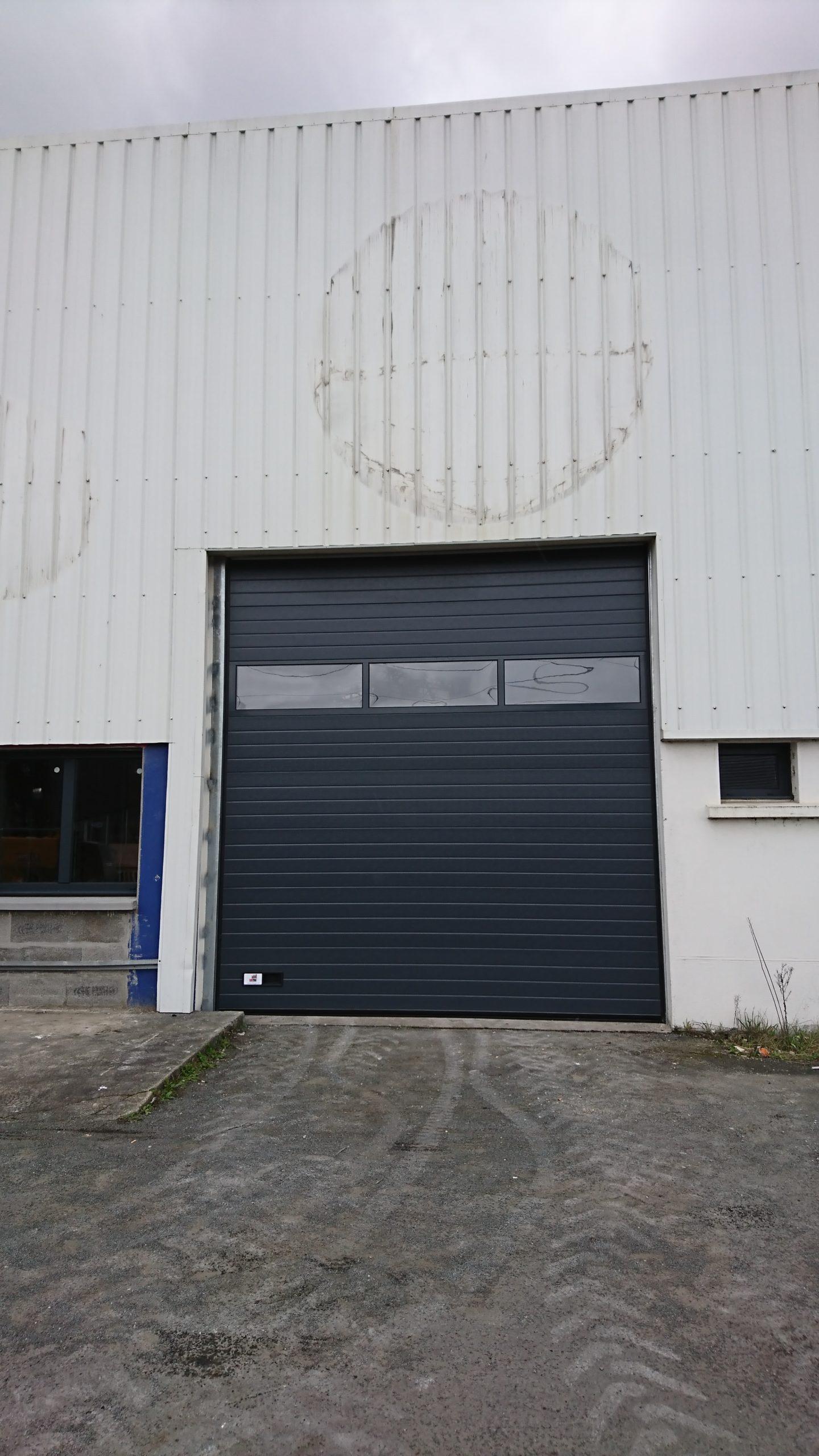 Porte sectionnelle 1 section vitrée
